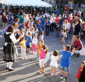 The Bavarian Showtime Band entertains children in the crowd